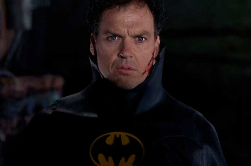Michael Keaton e Ben Affleck voltam a viver Batman no novo filme do Flash