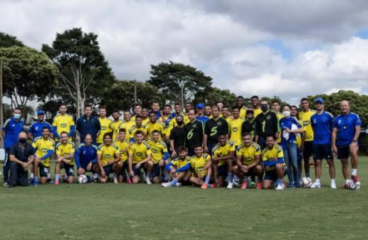 Cruzeiro projeta Série B, mira reforços e necessidade de cortes no elenco