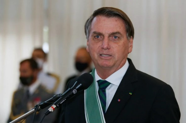 Bolsonaro parabeniza a polícia por operação no Jacarezinho