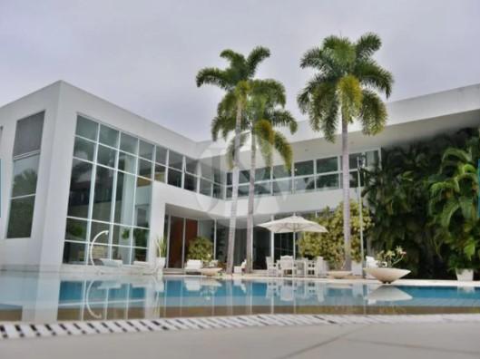 Xuxa quer vender sua mansão por R$ 45 milhões. Veja o imóvel!