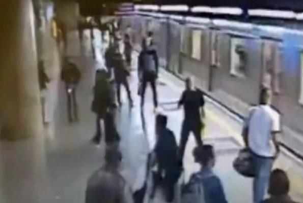 Vídeo! Homem tenta jogar mulheres em trilhos do metrô de SP