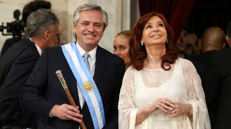 Governo argentino começa a tomar dinheiro dos ricos; valor já supera R$ 10 bilhões