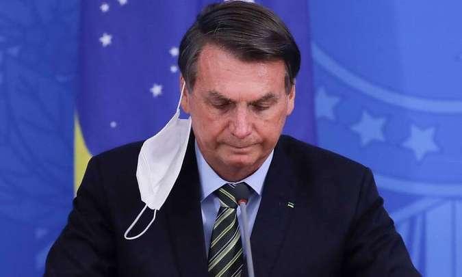 Bolsonaro recusou vacina da Pfizer em 2020 por metade do preço