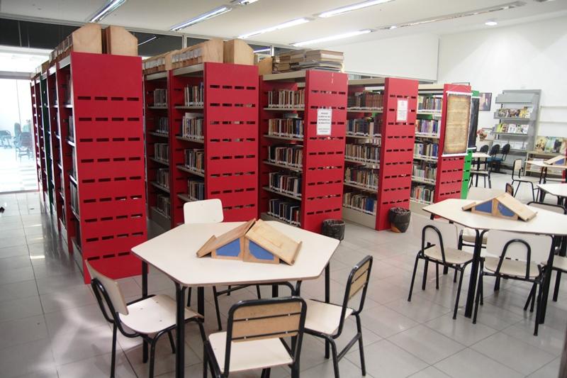 Biblioteca Pública de Coronel Fabriciano comemora 52 anos com contação de história e vídeos culturais