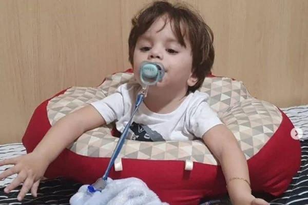 União vai cumprir decisão para compra de remédio caro a bebê com AME