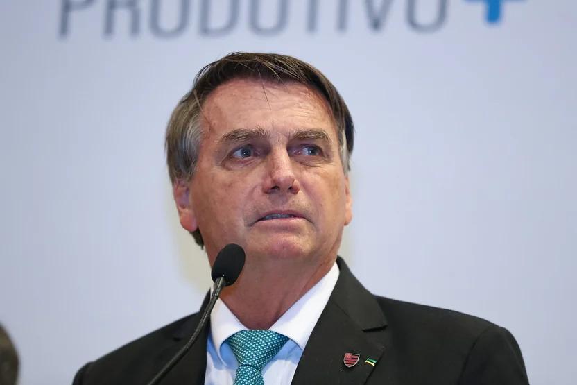 PF abre inquérito para investigar crime de prevaricação de Bolsonaro