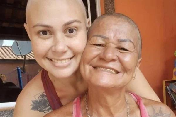 Mulher que emocionou a internet em vídeo com a mãe morre de câncer