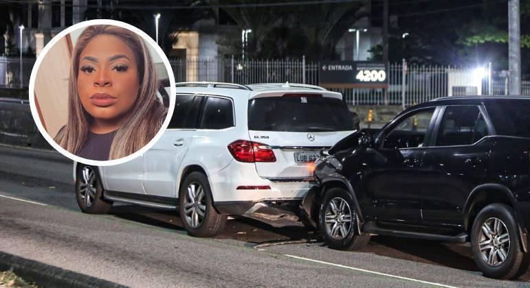 Jojo Todynho sofre acidente de carro com amiga no Rio de Janeiro