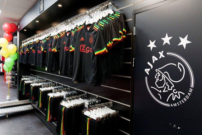 """Ajax lança uniforme para homenagear Bob Marley e a música """"Three little birds"""""""