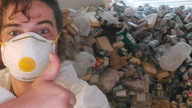 Despejado após não pagar aluguel por um ano, inquilino deixa 8 mil latas de cerveja vazias em apartamento
